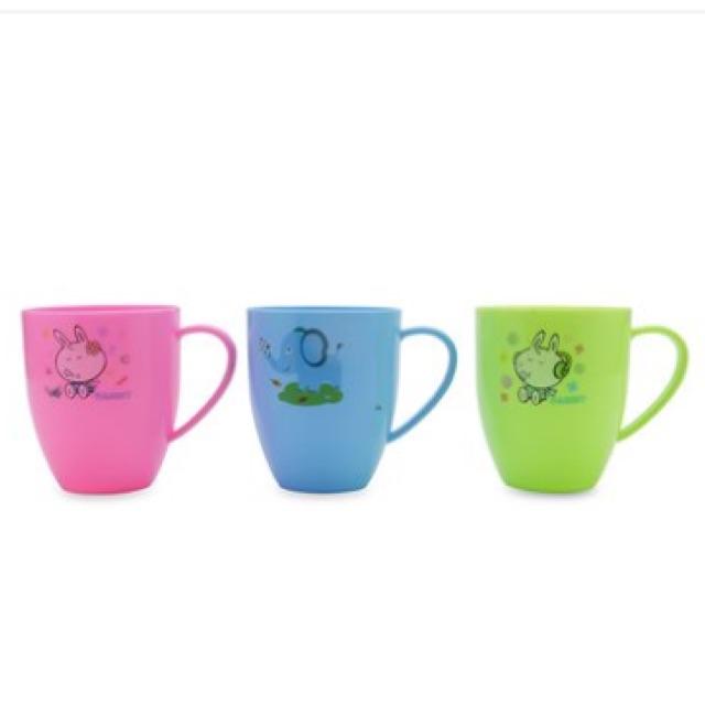 Bộ 3 ly nhựa có quai Tự Lập TL1-1001 (Nhiều màu) - 2530718 , 834176070 , 322_834176070 , 45000 , Bo-3-ly-nhua-co-quai-Tu-Lap-TL1-1001-Nhieu-mau-322_834176070 , shopee.vn , Bộ 3 ly nhựa có quai Tự Lập TL1-1001 (Nhiều màu)