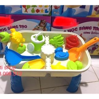 Bàn đồ chơi xúc cát và nước cho bé sáng tạo