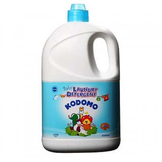 Dung dịch giặt tẩy Kodomo can 2000ml (M035)