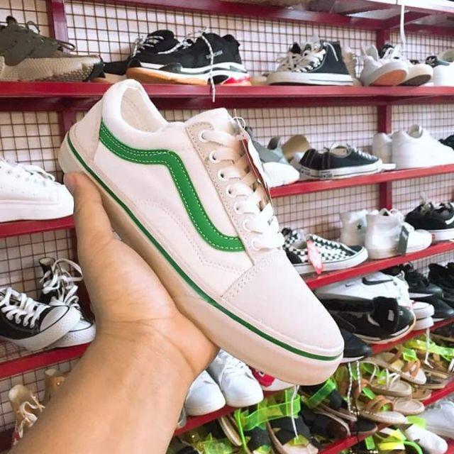 Sneaker Vans màu trắng lé xanh