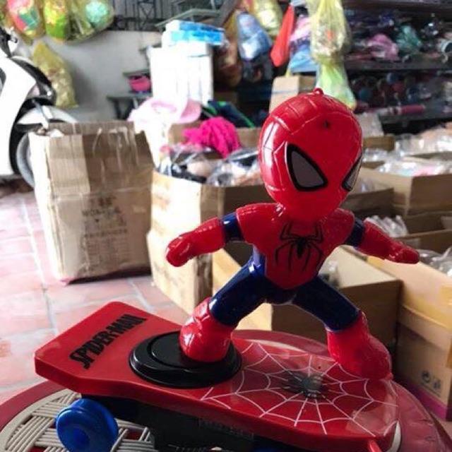 Siêu nhân nhện lướt ván