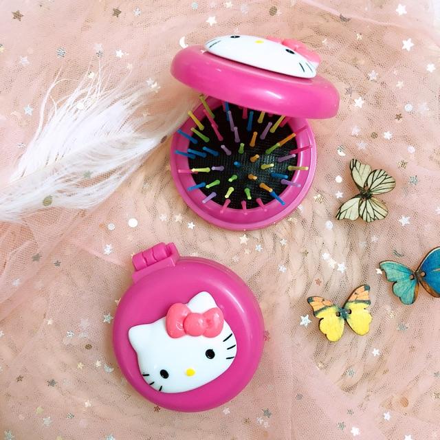 Gương lược bỏ túi Hello Kitty - 2448868 , 1341376072 , 322_1341376072 , 59000 , Guong-luoc-bo-tui-Hello-Kitty-322_1341376072 , shopee.vn , Gương lược bỏ túi Hello Kitty