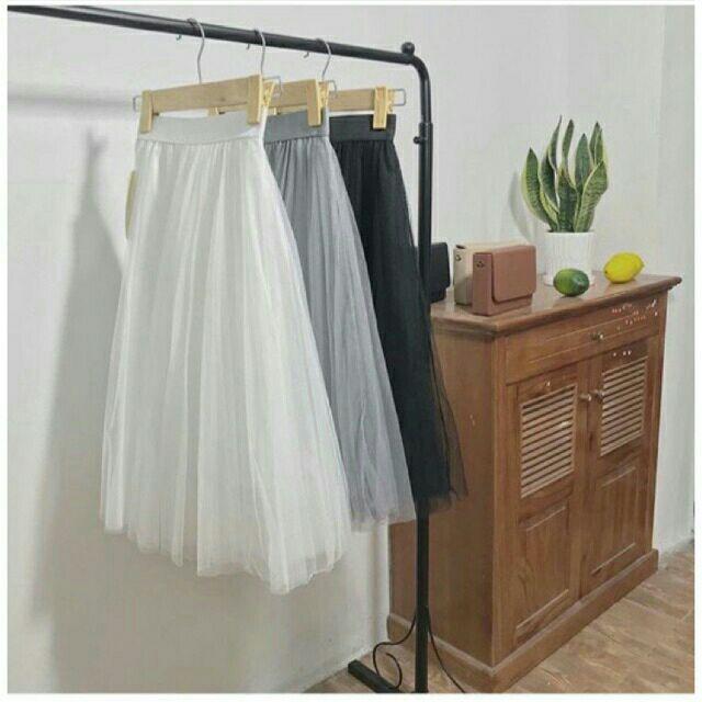 Chân Váy Xếp Ly Voan Đen Trắng Chữ A Dáng Ngắn Váy Thiết Kế Xẻ Quyến Rũ