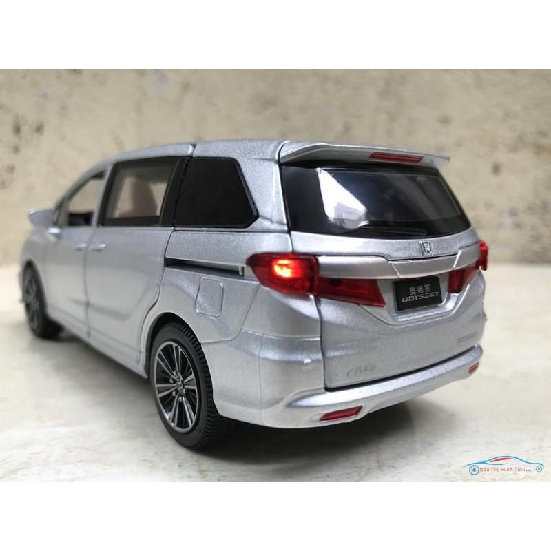 Mô hình xe Ô TÔ Honda Odyssey 2019 tỷ lệ 1:32