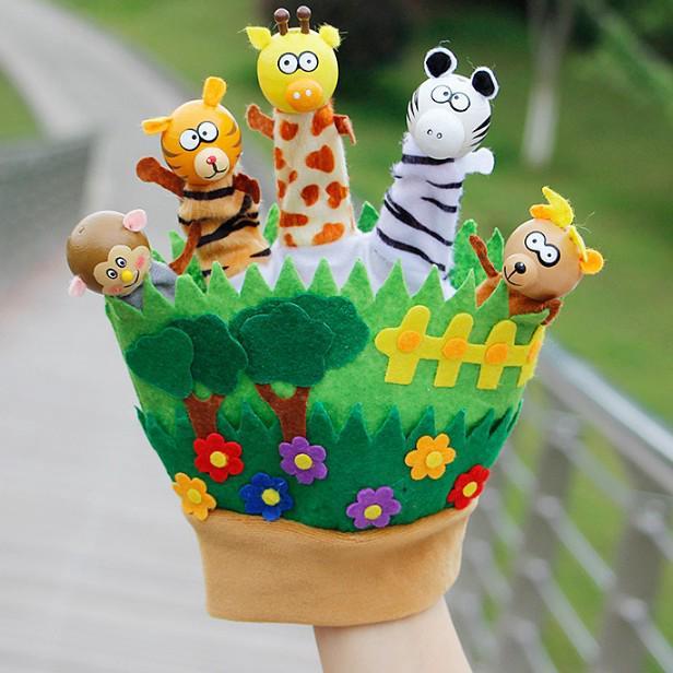 Rối bàn tay vườn thú của bé siu cute giúp phát triển giác quan