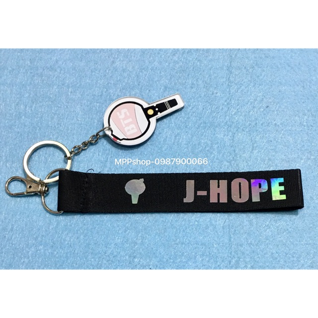 Nametag J-HOP BTS kèm móc khoá mica hình logo bom