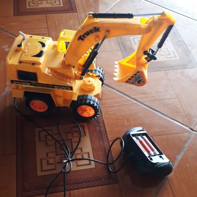 Xe cẩu điều khiển(đồ chơi trẻ em)