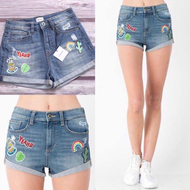 Short jeans mềm thêu và in hoạ tiết