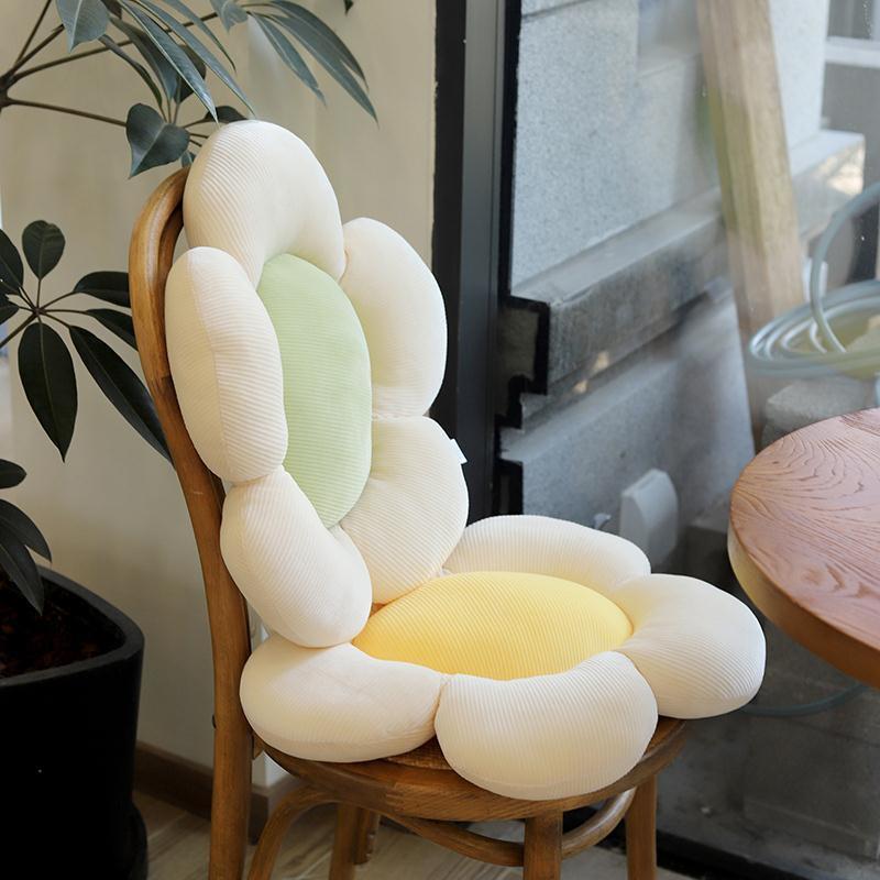 Gối đệm lưng ghế nhồi bông hình hoa cúc nhí xinh xắn tiện dụng