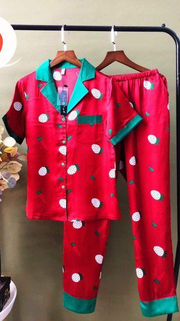 Bộ Pijama lụa satin họa tiết được chọn mẫu vải