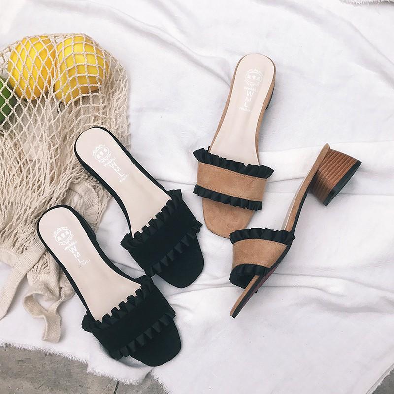 Soles sandals with feminine Korean style