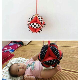 Bóng vải luyện chân cho bé từ 6 tháng tuổi