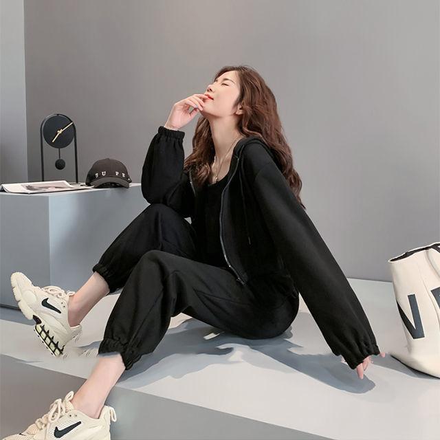 Mặc gì đẹp: Thoải mái với Bộ trang phục thể thao tay dài mẫu 2020 thời trang mùa thu dành cho nữ