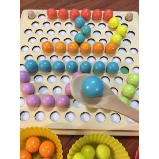 Gắp hạt gỗ kèm bát siêu đẹp Montessori