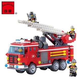 Bộ đồ chơi lắp ghép xe cứu hỏa kèm doll cho bé