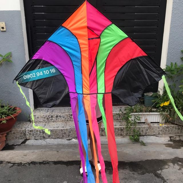 Diều trẻ em cầu vồng 7 đuôi – Tặng dây dài 150m dây + túi vải đựng diều nhà may