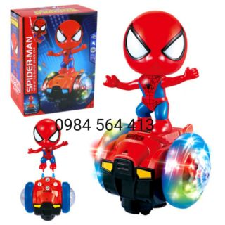 Người nhện cưỡi xe thăng bằng xoay 360 độ, phát nhạc chạy bằng pin