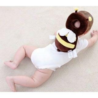 Gối con ong bảo vệ đầu cho bé
