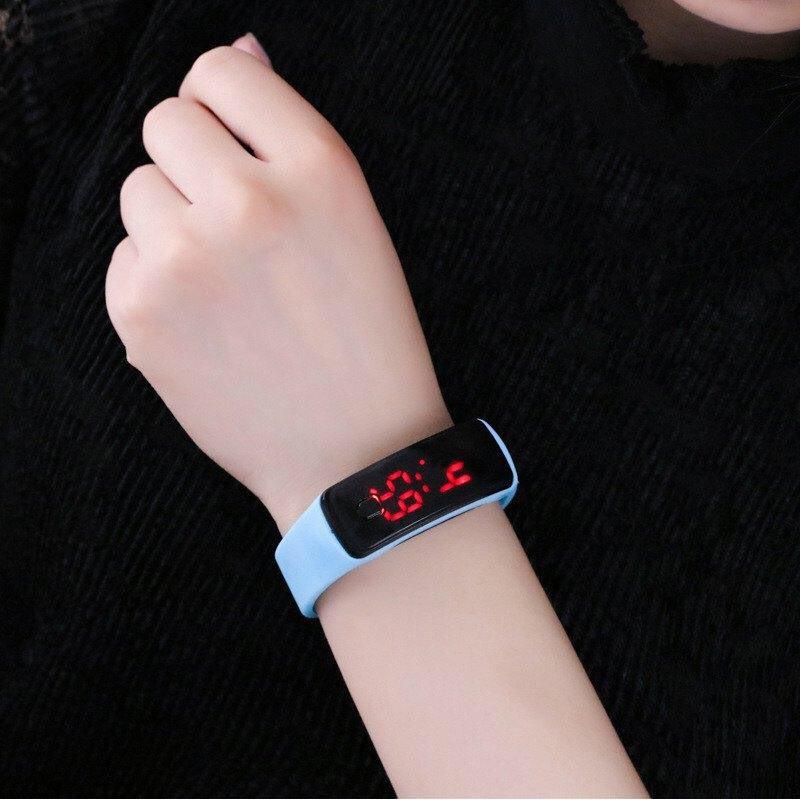Đồng hồ thông minh led đẹp thời trang nam nữ DH77