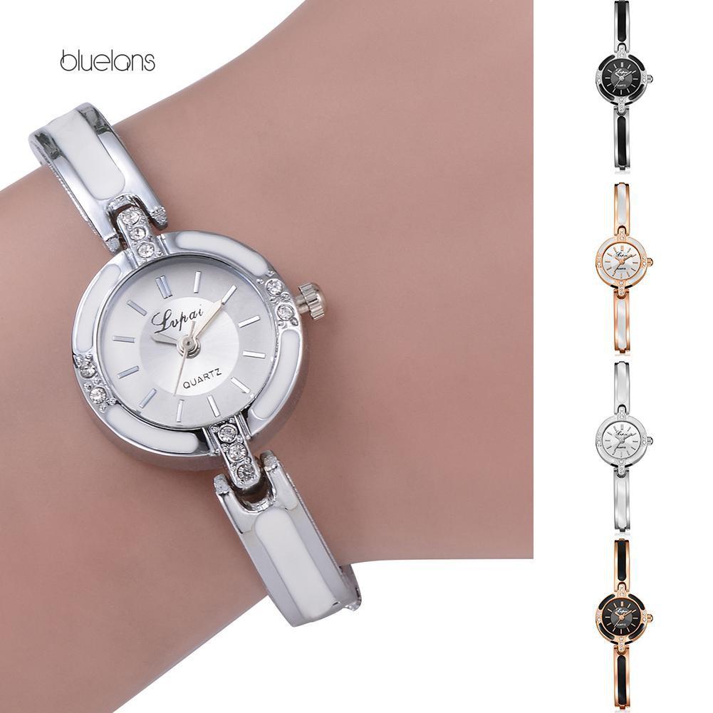 Đồng hồ hợp kim đính đá kiểu dáng thanh lịch