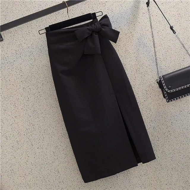 Chân váy bút chì sẻ trước buộc nơ chất liệu tuyết mưa