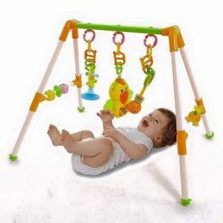 Kệ chữ a vẹt có nhạc Giúp bé làm quen với hình ảnh , màu sắc, âm thanh. Rất thích hợp cho các bé sơ sinh từ 3-18 tháng.