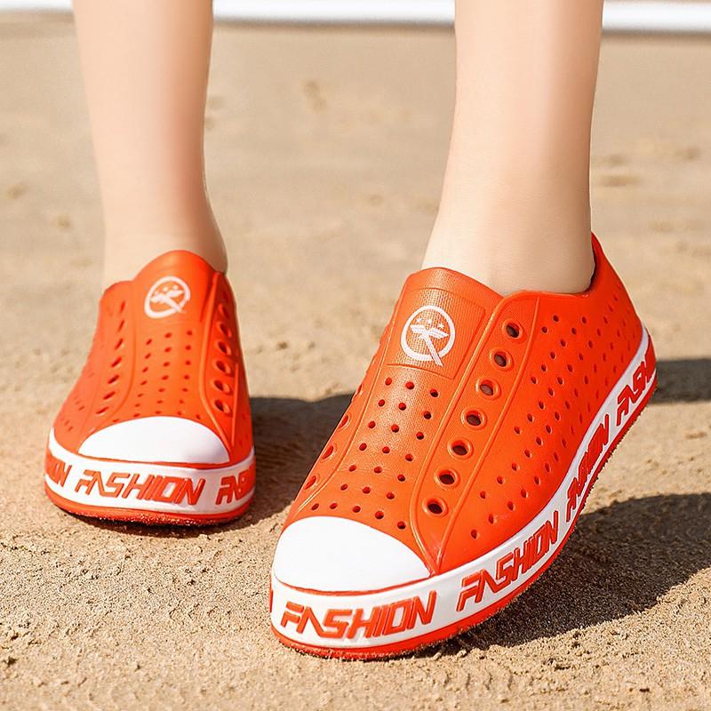 Giày Crocs Đế Mềm Thoáng Khí Thời Trang Cho Cặp Đôi