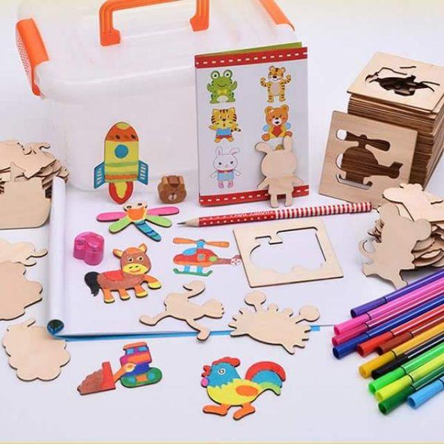 Bộ khuôn tập vẽ tặng kèm tô màu cho bé