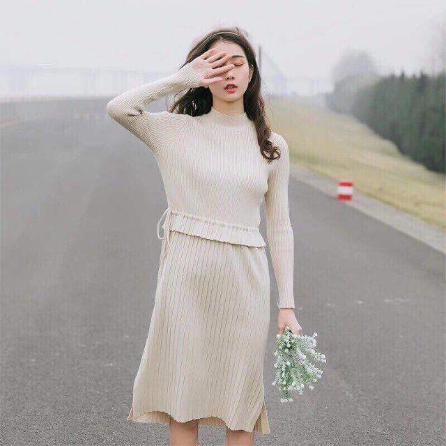Váy len xếp li một màu
