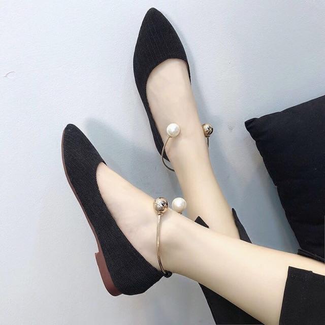 Giày bệt kiềng ngọc