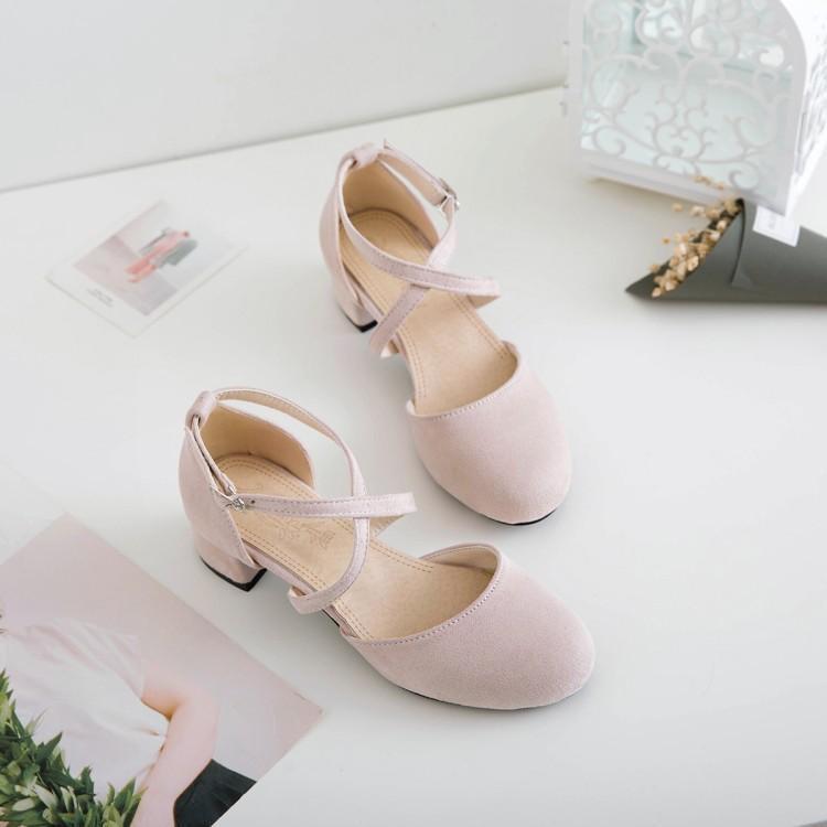 ฤดูใบไม้ผลิและฤดูร้อนใหม่ป่าย้อนยุคเซนข้ามกับหนังนิ่มในหนากับรองเท้าแตะรองเท้านา