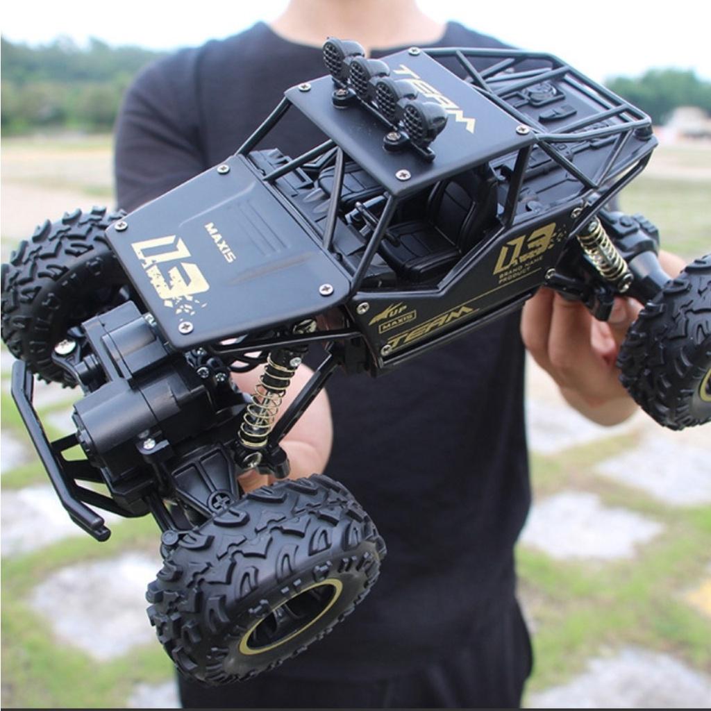Xe Điều Khiển Từ Xa Địa Hình MAXIS 03, tốc độ 45km/h, 2 cầu kích thước lớn 28cm Vỏ Kim Loại Siêu Bền