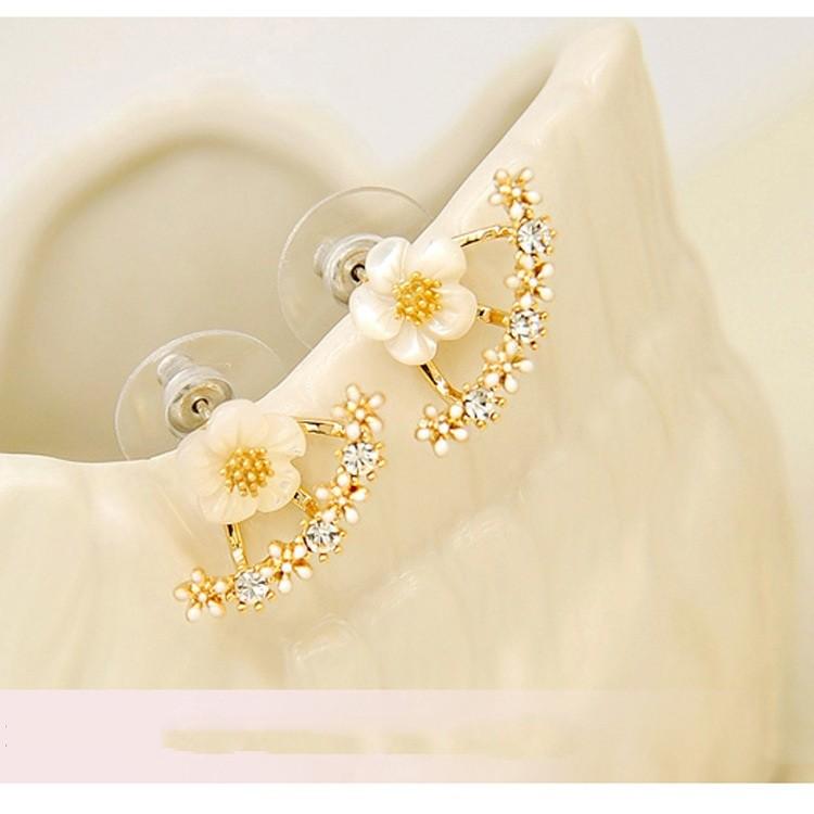 Bông tai hoa cúc đính đá Hàn Quốc
