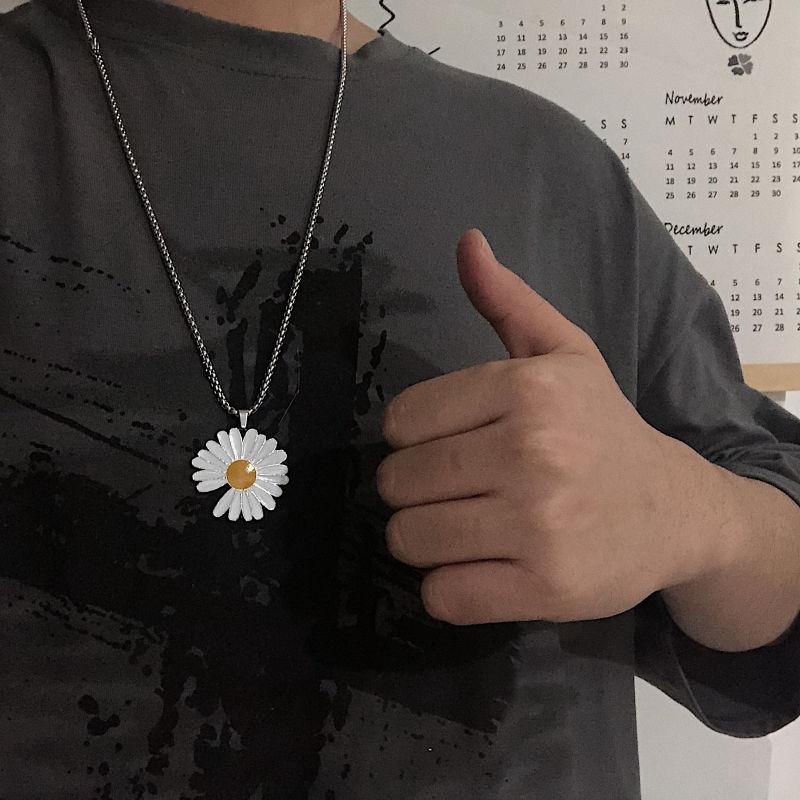 Dây chuyền kim loại phối mặt hình hoa cúc cá tính thời thượng cho giới trẻ
