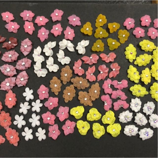 Hoa bột giá rẻ - 2k9/1 bông - Giao Mẫu Ngẫu Nhiên