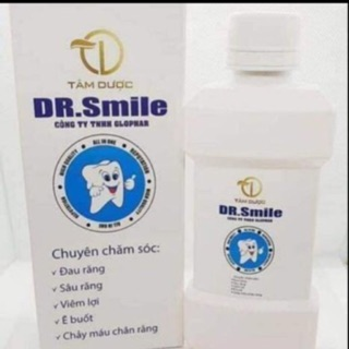 2 chai nước xúc miệng DR smile .trị sâu răng