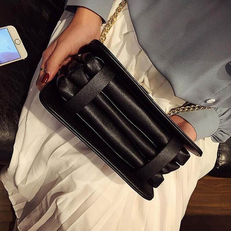 Túi đeo chéo nữ phối dây xích