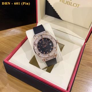 Đồng hồ nữ Hublot mặt tròn đính viền đá dây cao su thơm vani cao cấp DHN601 - Shop228
