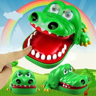 Khám răng cá sấu -dc1779- ảnh rất thật