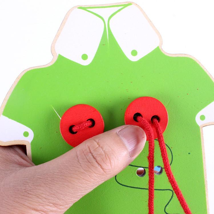 Đồ Chơi Gỗ Xỏ Nút Áo Thủ Công Rèn Luyện Phối Hợp Tay Mắt, Mô phỏng hệ thống nút áo nút cho bé từ 8 tháng - 3 tuổi