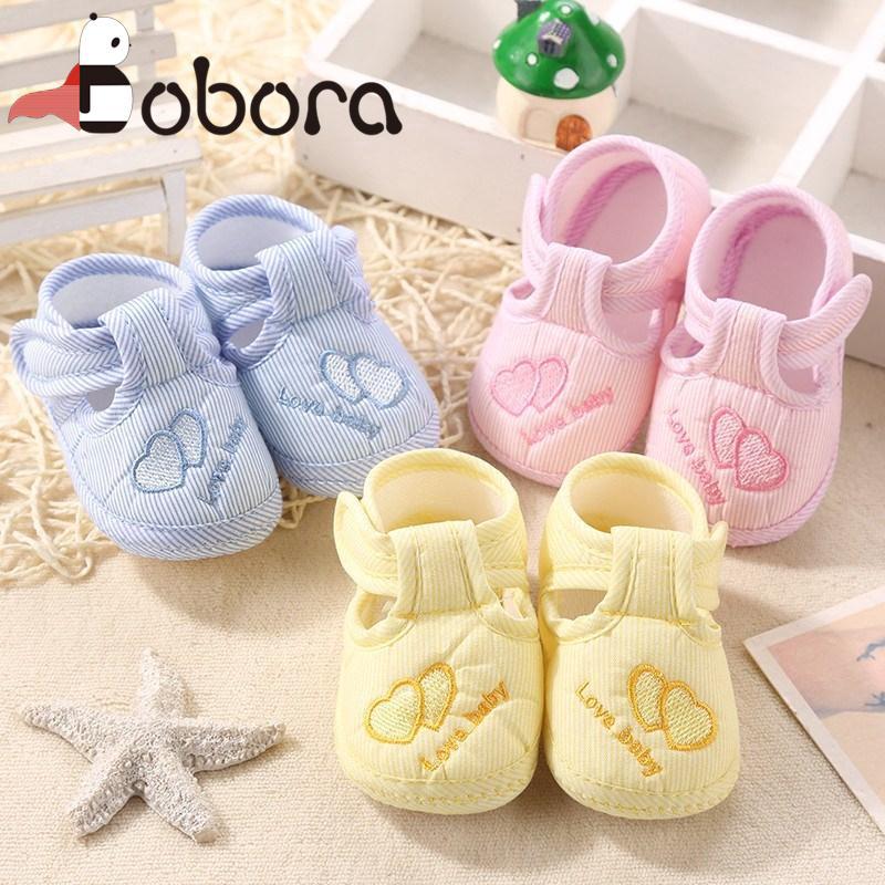 Giày quai hậu chống trượt, êm chân và đáng yêu cho bé