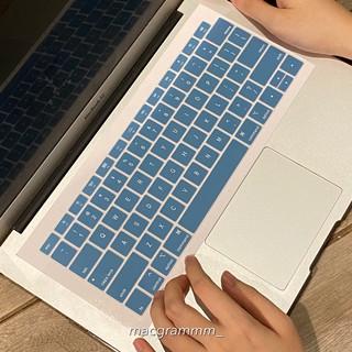 Phủ phím bảo vệ macbook - màu xanh dương thumbnail