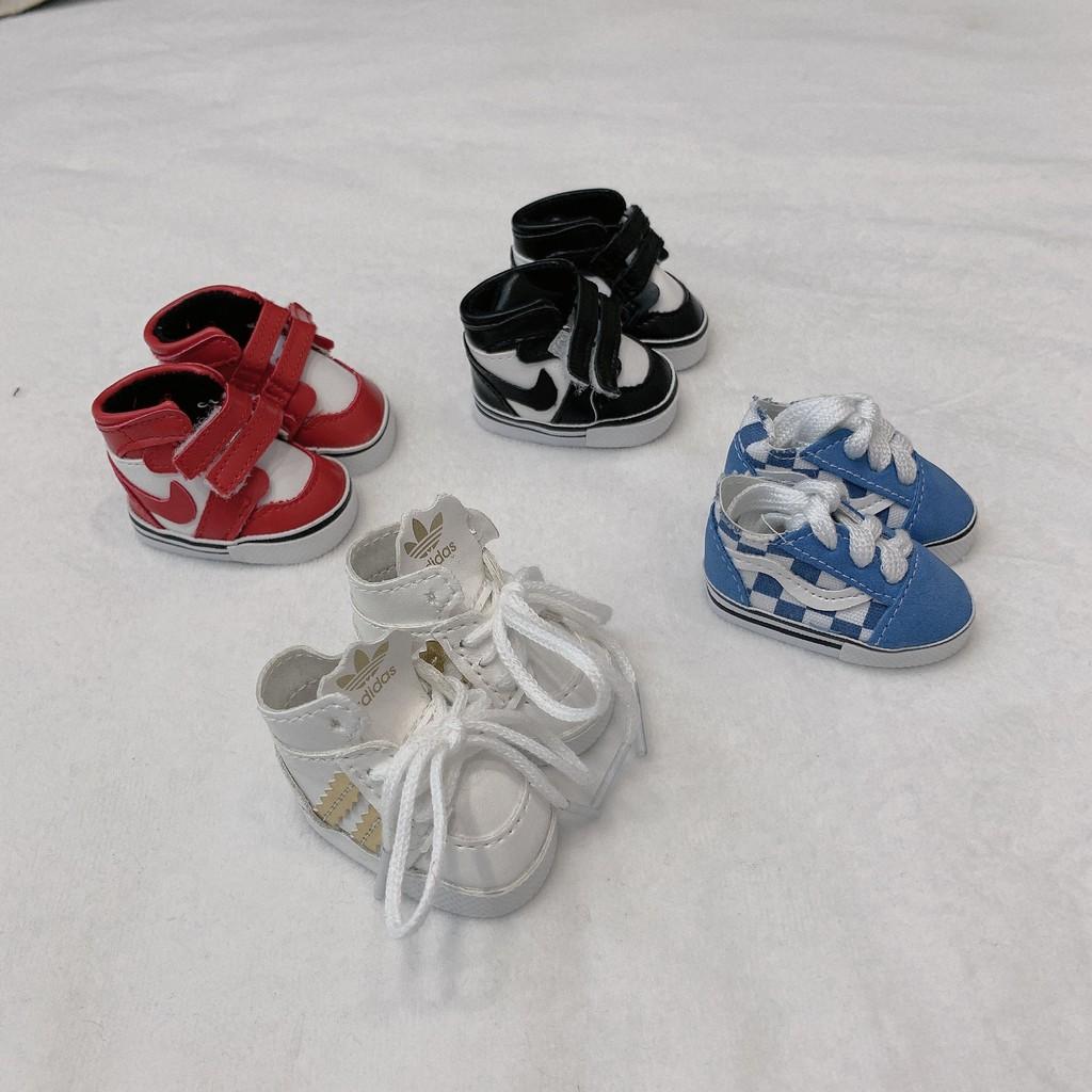 Nhượng phụ kiện mũ, giày, kính cho doll 20 và 15cm