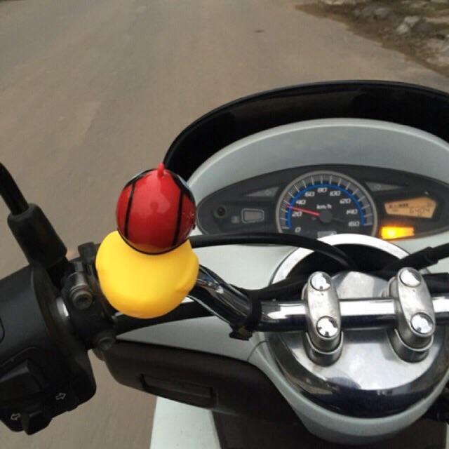 Vịt gắn xe phát sáng (bao gồm mũ bảo hiểm, chong chóng)