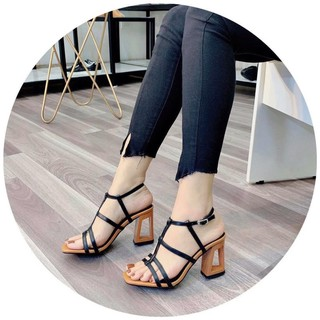 Sandal gót khoét, quai mảnh