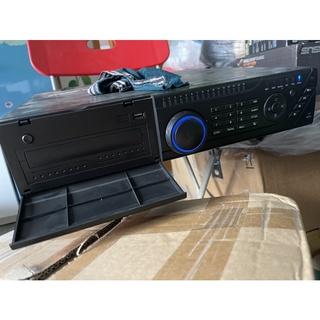 Thanh lý đầu ghi hình chuyên dụng Questek 16+8 kênh analog và IP. 8 ổ cứng thumbnail
