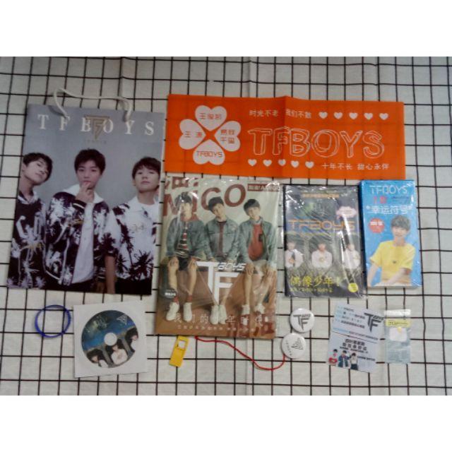 Combo photobook TFBOYS, Dịch Dương Thiên Tỉ - 3035003 , 990430684 , 322_990430684 , 185000 , Combo-photobook-TFBOYS-Dich-Duong-Thien-Ti-322_990430684 , shopee.vn , Combo photobook TFBOYS, Dịch Dương Thiên Tỉ