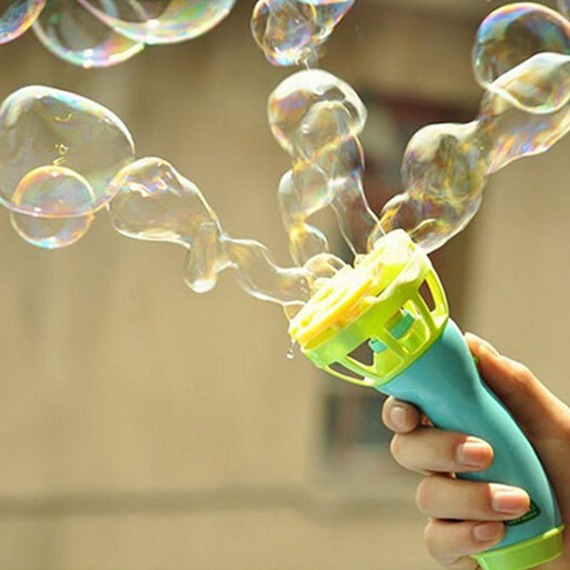 Súng bắn bong bóng xà phòng nhiều màu sắc xinh xắn
