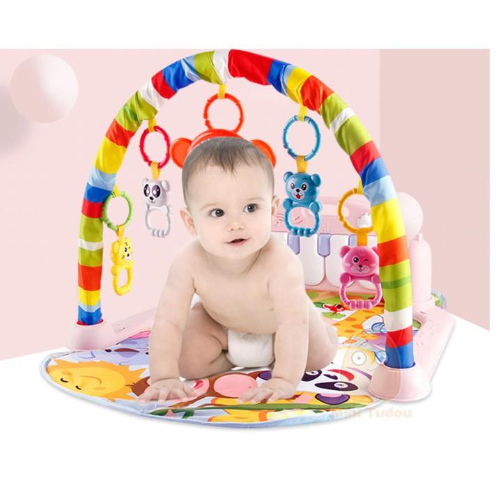 Thảm bàn đạp Piano cho bé nằm vui chơi – Thảm vui chơi màu có khung treo đồ chơi và bệ đạp chân phát nhạc cho trẻ em