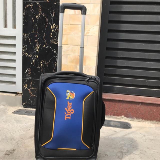 Vali kéo du lịch size 20inch quà tặng Tiger - 2904959 , 836034342 , 322_836034342 , 330000 , Vali-keo-du-lich-size-20inch-qua-tang-Tiger-322_836034342 , shopee.vn , Vali kéo du lịch size 20inch quà tặng Tiger